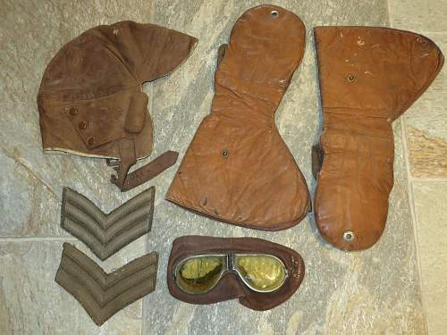 WW.1 Flying helmet, goggles and gloves.