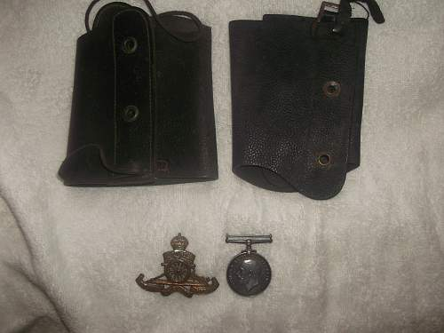 WW1 BWM, Gaiters and Cap Badge from a Car Boot