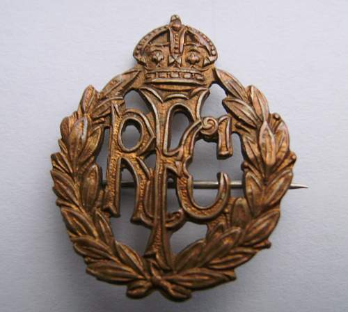 royal flying corps collar or sweetheart badge ?