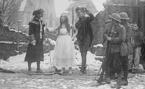 Heads up on un-seen ww1 pictures.