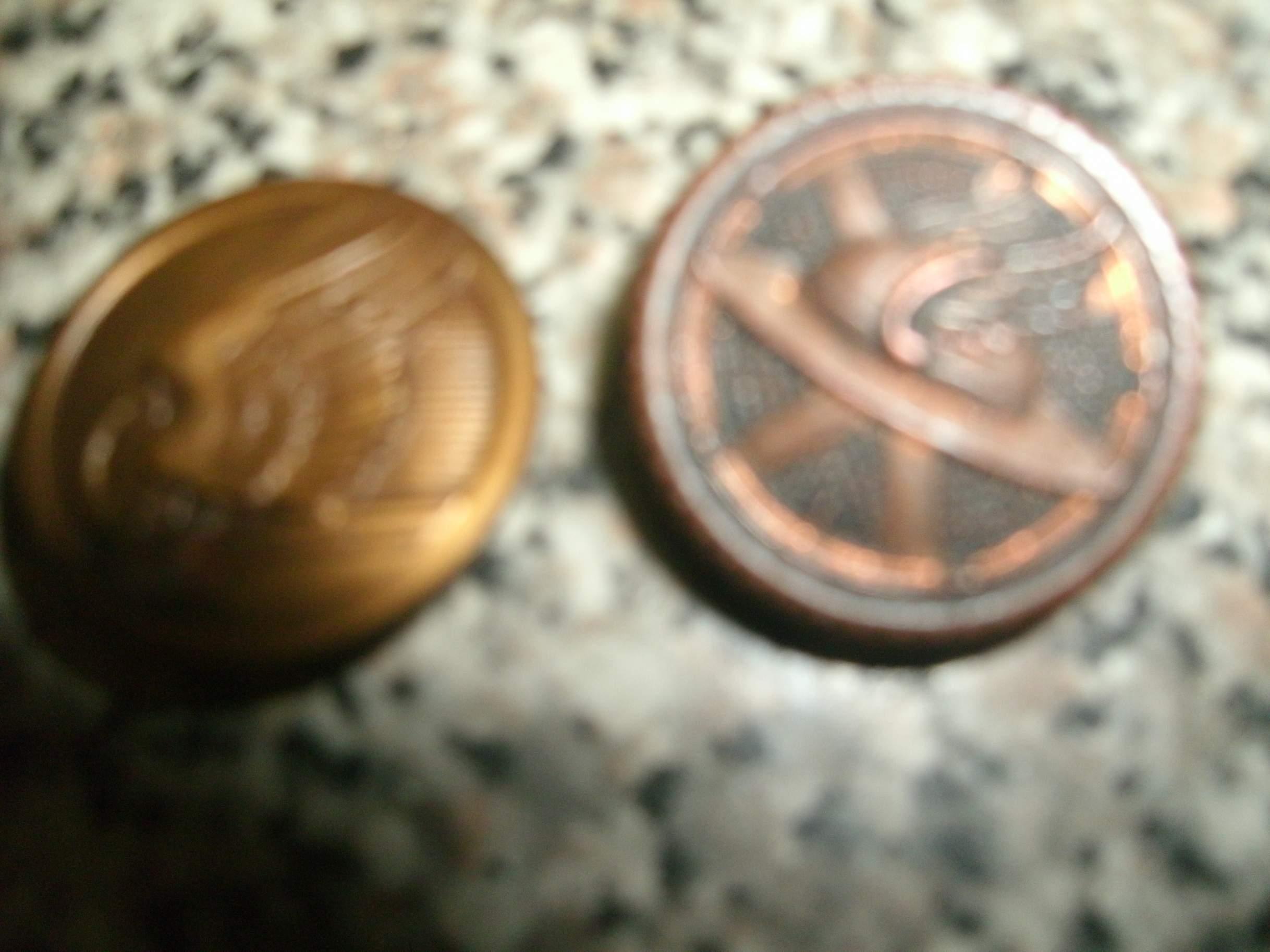 Dating metallic insignia collar discs