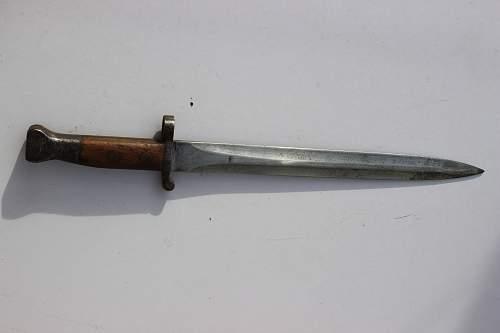 1888 pattern bayonet with P1914 pattern frog