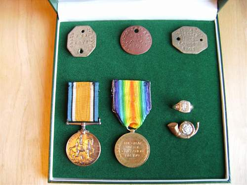Click image for larger version.  Name:medals 005 (Medium).jpg Views:17 Size:71.9 KB ID:682498