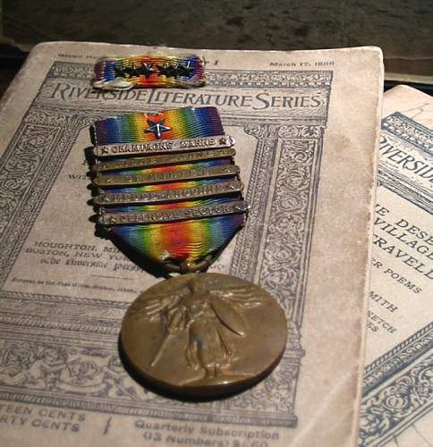 WW I Victory Medal W/Citation Star and Five Clasps, Ribbon Bar With Corresponding Number of Stars