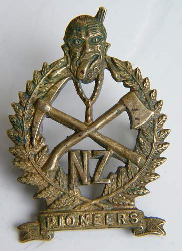 Click image for larger version.  Name:maori pioneers gaunt collar obverse vm.jpg Views:216 Size:220.0 KB ID:751170