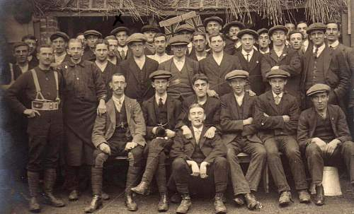 Click image for larger version.  Name:KRRC volunteers 1914.jpg Views:98 Size:136.9 KB ID:797711