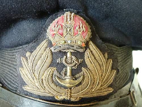 Royal Navy cap ... WW1?