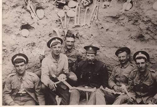 Photo of six Coldstream Guardsmen having a break......