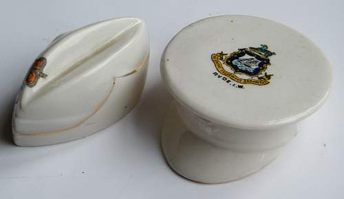 Click image for larger version.  Name:crested ware hats 2.jpg Views:13 Size:183.8 KB ID:834556