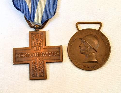 Italian WWI Medals: War merit cross & 1915-18 Unification madal